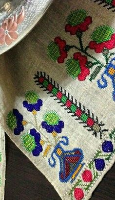 Diy And Crafts, Elsa, Cross Stitch, Embroidery, Antiques, Crochet, Handmade, Punto De Cruz, Dots