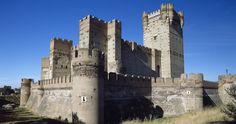 ¿Cuál es el castillo más bonito de España? Travel Advice, Travel Tips, Castle In The Sky, Medieval Times, Tower Bridge, Fantasy, Mansions, Nature, Iglesias