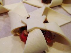 Good food, Shared: Lorraine Pascale's Last Minute Mince Pies Sleeps To Christmas, Christmas Is Coming, Christmas Ideas, Food L, Good Food, Chef Recipes, Cookie Recipes, Sweet Lorraine, A Child Is Born