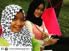 #Repost @rosmaliaanggraini with @repostapp   strong girl @renisofyana . . . . .  #koalohammock . . . . .  Only 110K IDR 25m x 15m Include weebing 3m (2pcs) Up to 200kg  sms or whatsapp : 082327550311 Line : @koalohammock (pakai @) Bbm : 76a9e727 . . . . .  Booking no DP = cancel…