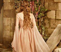Photography Fantasy Princess Queens 25 New Ideas Fantasy Magic, Fantasy Princess, Medieval Princess, Princess Aesthetic, Disney Aesthetic, Sansa Stark, Lady, Fairy Tales, Sleeping Beauty