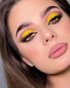 Makeup Eye Looks, Eye Makeup Art, Skin Makeup, Eyeshadow Makeup, Liquid Makeup, Makeup Cosmetics, Makeup Trends, Makeup Inspo, Makeup Inspiration
