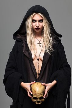 don't bless me father for i have sinned Taylor Momsen Style, Taylor Michel Momsen, Taylor Momson, Goth Beauty, Dark Beauty, Cosplay, Lingerie, Punk Fashion, Girl Fashion