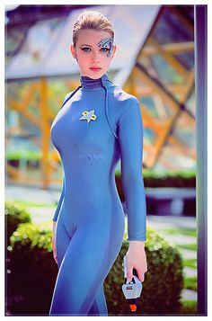"Actress: Scarlett Johansson dresses up like ""Seven of Nine"" from ""Star Trek"": ""Voyager"". Awesome cosplay, just click."