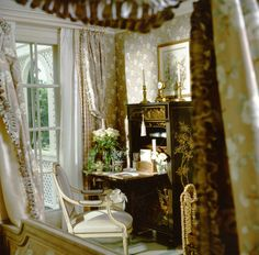 Howard Slatkin.  New Jersey country house guest bedroom.