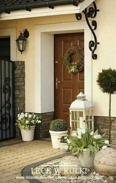 Vibrant valued porch design backyard Take the Quiz Front Door Entrance, Front Door Decor, House With Porch, House Front, Front Porch, Porch Kits, Porch Ideas, Building A Porch, Front Yard Landscaping