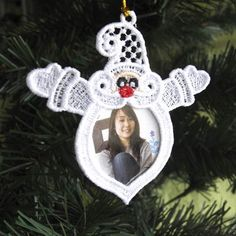FSL White Christmas Photo Ornaments - Wind Bell Embroidery | OregonPatchWorks