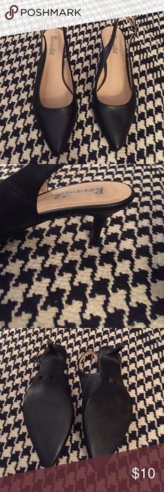 Black Slingback Heels Great for the workplace! Have been lightly worn. Good condition. Shoes Heels