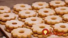 Tie koláčiky som ochutnala pred rokmi u kamarátky a ostala som v úžase: Najjemnejšie linecké, čo som skúsila – tajomstvo je starom recepte! Pavlova, Food And Drink, Cookies, Cake, Crack Crackers, Pie, Biscuits, Mudpie, Cakes