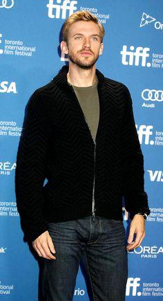 Dan Stevens Rio Film, Dan Stevens Legion, Allen Leech, Matthew Crawley, Three Kids, Celebs, Celebrities, Downton Abbey, Eyes