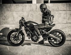 Ducati Scrambler cafe racer Cafe Racer Girl, Ducati Scrambler, Lady Biker, Biker Style, Bikers, Motocross, Cars And Motorcycles, Badass, Thailand