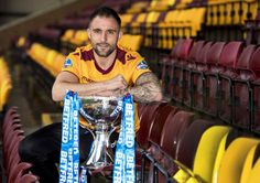 No fear factor for well-read Peter Hartley ahead of Motherwell's meeting with unbeaten Betfred Cup rivals Celtic #LallaGatta via @LallaGatta