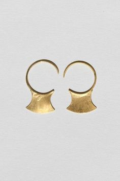Mondo Mondo Gold Vermeil Blade Earrings - A pair of Blade earrings in gold - Open ends - Circular loop structure - Blade bottoms - gold vermeil - Made in USA Delicate Jewelry, Gold Jewelry, Jewelry Box, Women Jewelry, Unique Jewelry, Jewellery, Piercings, Black Rings, 18k Gold