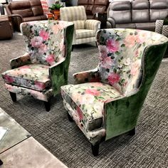 Cycle of emotions when I saw these new chairs: 😮😲 😃😊😍