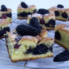 Mulberry cake by truedelights Cantaloupe Recipes, Radish Recipes, Frangipane Recipes, Mulberry Recipes, Spagetti Recipe, Szechuan Recipes, Gnocchi Recipes, Recipes, Food Porn
