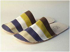 森田布包製作所がつくる「scalyfoot : slippers」を紹介。部屋のアクセントの役目を果たしながら絶妙な履き心地を叶えてくれる。春が近づくと洋服を衣替えするように、部屋の雰囲気にも少し手を加えたくなってくる時は、意外と目に入る機会の多いスリッパを変えてみるのも手だ。