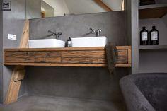 Door ons gemaakte betonlook badkamer met een mooie combi van betonstuc en hout! www.molitli-interieurmakers.nl