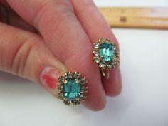 Vintage 1/20 12K Gold Filled Blue, Clear Stone Screw Back Earrings