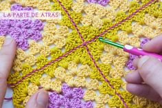 VIDEO TUTORIAL Cómo unir cuadrados con punto raso | How to join crochet squares with the slip stitch