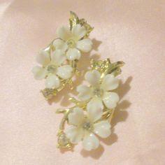 Vintage Gold Tone White Flower Earrings by BorrowedTimes on Etsy