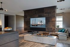 Eric Kant realiseert droomappartement - The Art of Living Luxury Interior, Modern Interior, Interior Design, Modern Fireplace, Fireplace Wall, Art Of Living, Living Area, Stove Accessories, Leather Wall