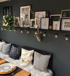 Living Room Decor, Living Spaces, Bedroom Decor, Wall Decor, Photo Decoration On Wall, Dining Room, Green Sofa, My New Room, Home Decor Inspiration