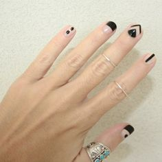 Discover cute and easy nail art designs for all occasions. Find inspiration for Easter, Halloween and Christmas and create your next nail art design. Minimalist Nails, Love Nails, Pretty Nails, Nail Art Designs, Mens Nails, Geometric Nail, Manicure E Pedicure, Creative Nails, Simple Nails