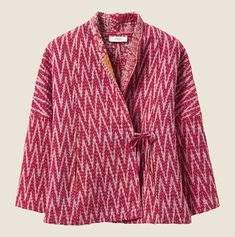 Our Reversible Kantha Jacket is made from recycled saris by an Indian cooperative. It has dropped shoulders and length sleeves. Kebaya Modern Dress, Blouse Batik, Batik Fashion, Tokyo Street Style, Textiles, Japanese Outfits, Japanese Clothing, Japanese Street Fashion, Cotton Jacket