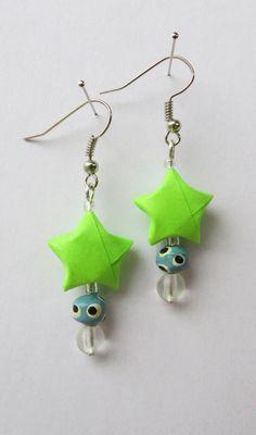 Boucles d'oreille origami, étoile en papier. : Boucles d'oreille par made-for-you