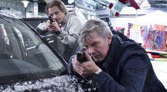 Jakob Eklund och Joel Kinnaman under inspelningen av nya Falk-filmen. Foto: Jan Wiriden