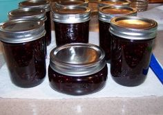 Blueberry Raspberry Jam - Canning Recipe - Modern Quilt Blog ~ Rebecca Mae Designs - This recipe has a good visual tutorial if you are a first timer.