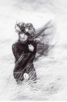 78b82204e4ffa Fotografia by Anja Snowman Via Hoecheitsguide. Penteados Para Noivas,  Vestidos De Noiva, Boneco