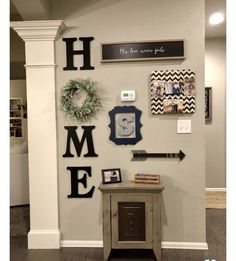 Creative wall decor ideas that you can try in your home 9 ~ Design And Decoration Farmhouse Side Table, Farmhouse Wall Decor, Country Decor, Rustic Farmhouse, Kitchen Rustic, Country Living, Kitchen Ideas, Living Room Furniture, Living Room Decor