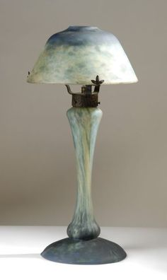 DAUM NANCY ART GLASS TABLE LAMP.