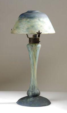 DAUM NANCY ART GLASS TABLE LAMP.