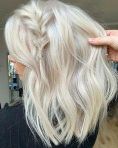 Platinum Blonde Balayage, Platinum Blonde Hair Color, Blonde Hair Shades, Blonde Hair Looks, Brown Blonde Hair, Fall Blonde Hair Color, Blonde Highlights, Blonder Afro, Hair And Harlow