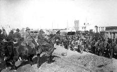 17/09/1921 EFE Data .- GUERRA DE AFRICA: OCUPACION DE NADOR, 17-9-1921. El general Cavalcanti observa la entrada de las tropas españolas en Nador