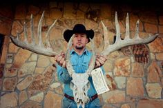 Giant 200 inch buck from Oklahoma.. bullshit no way that came out of O.K.   not a chance