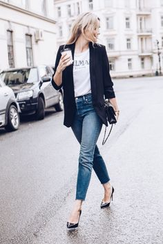 casual blazer street style from Camilla Pihl