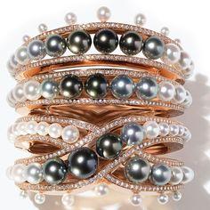 Hermès Ombres et Lumière pearl bracelet in close up