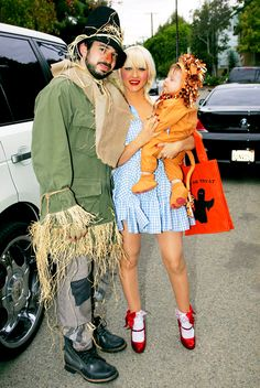 Christina Aguilera with Jordan Bratman and son Max  in The Wizard of Oz