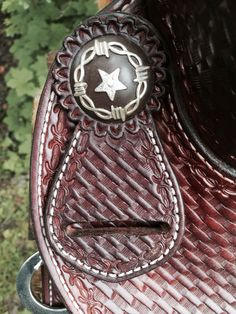 Details of a cutting saddle