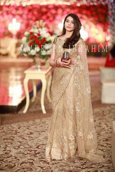 That colour of saree😍👌👌 Pakistani Bridal Dresses, Pakistani Wedding Dresses, Indian Dresses, Indian Clothes, Saree Wedding, Lace Saree, Net Saree, Saree Trends, Indian Bridal Fashion