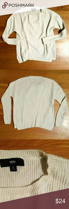 🆕Soft & Cozy Textured Mossimo Sweater Gently used and in great condition... Some minor natural pilling, but no stains or rips. This sweater is SUPER soft and comfy. Not itchy in the slightest. Fits TTS.   I do not trade or model, sorry! Mossimo Supply Co Sweaters Crew & Scoop Necks