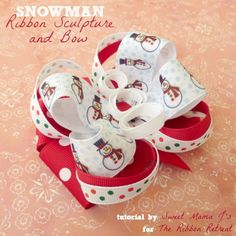 Use our awesome Snowman Ribbon Sculpture and Bow Tutorial to create a fun holiday bow that everyone will be asking where you got it. Making Hair Bows, Diy Hair Bows, Bow Hair Clips, Bow Making, Ribbon Crafts, Ribbon Bows, Ribbons, Ribbon Art, Ribbon Retreat