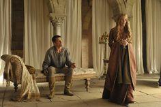 Autor revela que 'Game of Thrones' pode virar filme >> http://glo.bo/1d3IPav
