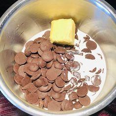 Prăjitură Physha, foi cu miere și cacao, cremă de vanilie și glazură de ciocolată – Chef Nicolaie Tomescu Dog Food Recipes, Cooking, Kitchen, Dog Recipes, Brewing, Cuisine, Cook