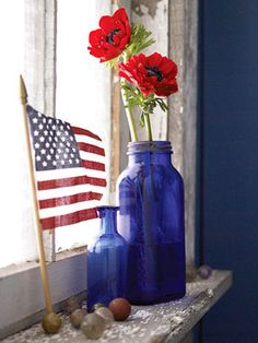 vintage blue bottles I love this! Coming soon to my home for 4th of July !!!!