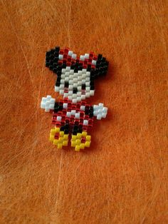 Minnie mouse😁💓 with brick stitch Seed Bead Patterns, Beaded Jewelry Patterns, Peyote Patterns, Beading Patterns, Seed Bead Projects, Beading Projects, Beading Tutorials, Seed Bead Jewelry, Bead Jewellery