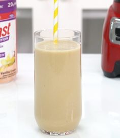 This delicious smoothie is a quick and satisfying way to curb your hunger and cravings. Made with creamy peanut butter and Advanced Nutrition Vanilla Cream Smoothie Mix, add half a frozen banana to make this an extra thick treat! Slim Fast Smoothie Recipes, Yummy Smoothies, Shake Recipes, Peanut Butter Shake, Peanut Butter Smoothie, Peanut Butter Banana, Almond Butter, Smoothie Mix, Smoothie Drinks